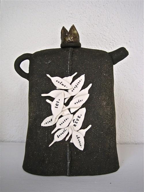 teapot by rae dunn