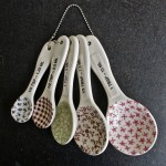 measuring spoons.